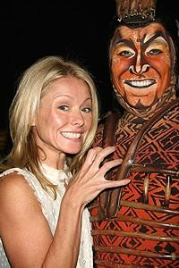 Photo Op - Kelly Ripa at Lion King - Kelly Ripa - Patrick Page