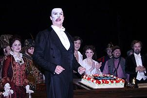 Photo Op - Phantom 8,000th Performance - cc - Howard McGillin (with cake)