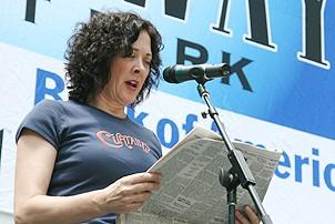 Photo Op - Broadway in Bryant Park 07-26-07 - Karen Ziemba