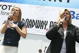 Photo Op - Broadway in Bryant Park 07-26-07 - Megan Sikora - Debra Monk 