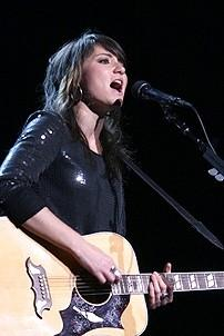 Photo Op - Idina Menzel at Madison Square Garden - KT Tunstall
