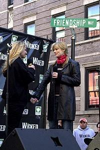 Photo Op - Wicked Day 2007 - Annaleigh Ashford - Lisa Brescia (singing)