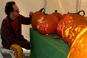 Photo Op - Wicked Day 2007 - pumpkins