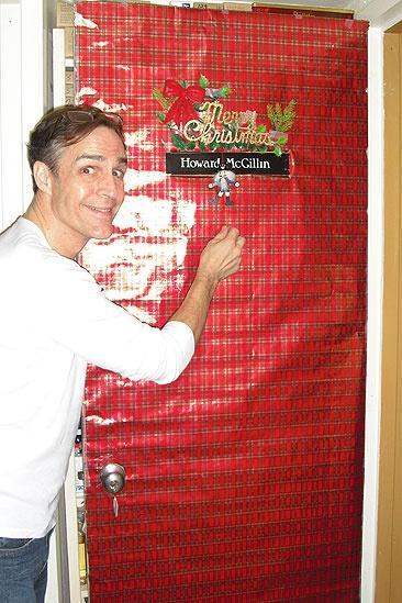 Seasonal Snapshots: Phantom Opens Its Backstage Doors - Howard McGillin