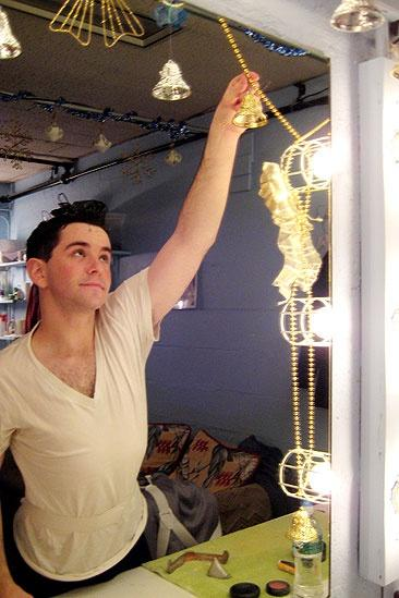 Wicked Seasonal Snapshots – Alex Brightman