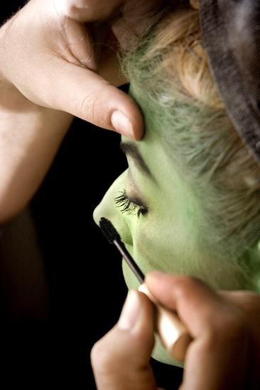 Nicole Parker Backstage at Wicked – mascara