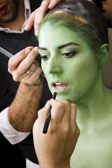 Nicole Parker Backstage at Wicked  full face2
