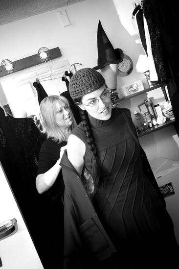Nicole Parker Backstage at Wicked – dressing3