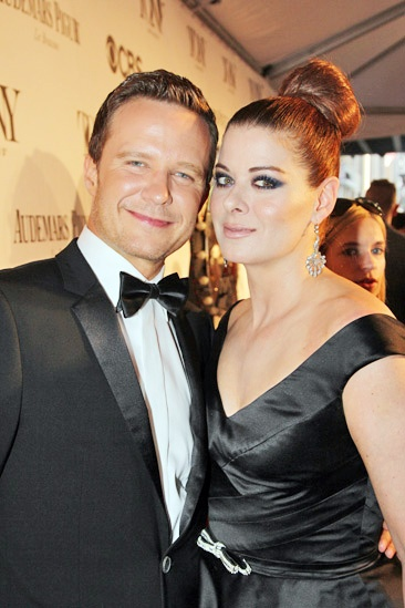 Tony Red Carpet- Will Chase and Debra Messing
