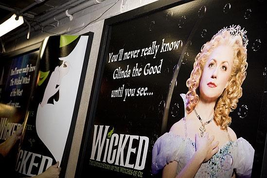 Wicked Grand Central – glinda