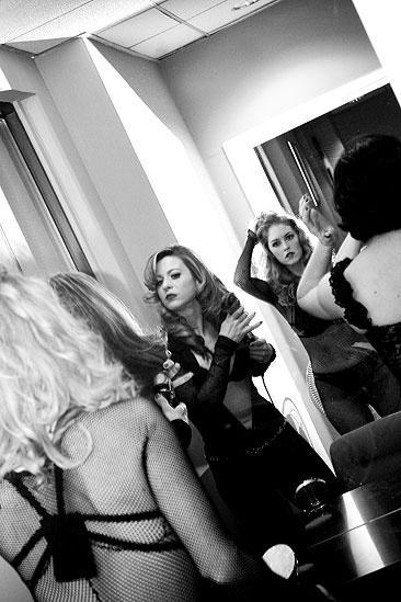 Tom Wopat at Fox 5 – girls getting ready