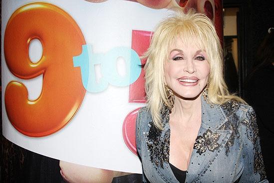 Dolly Parton at 9 to 5 – Dolly Parton