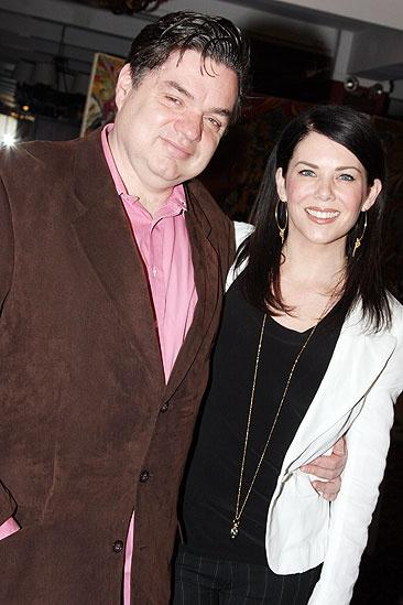 Lauren Graham and Oliver Platt at Sardi's – Lauren Graham – Oliver Platt