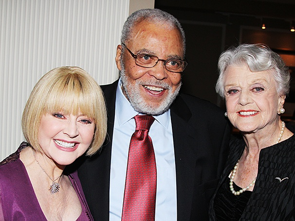 james earl jones biography James earl jones biography, photo  jones' great range as a performer has  made him a legendary american artist he is a major classical stage actor-his.