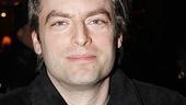 White's co-stars were also on hand: here's Justin Kirk…
