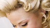 Megan Hilty backstage – barrette
