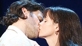 Steven Pasquale as Robert Kincaid & Kelli O'Hara as Francesca Johnson in The Bridges of Madison County