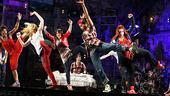 American Idiot Sound Check - Girls Dancing