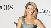 Perennial best-dressed actress Kelli O'Hara (a nominee for her star turn in Nice Work If You Can Get It) does it again in a metallic Carmen Marc Valvo column, complete with train.