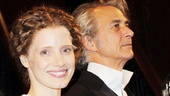 Jessica Chastain and David Strathairn receive a standing ovation...and a beautiful bouquet!