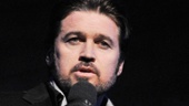 In the Chicago presentation, Billy Ray Cyrus sings a touching rendition of Blackbird.