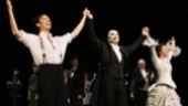 Kyle Barisich (Raoul) and Samantha Hill (Christine) join Phantom title star Peter Joback for a final bow.