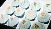 Ten lucky audience members went home with a box of Mamma Mia! cupcakes, topped with blue sparkles.