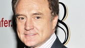 &lt;i&gt;8&lt;/i&gt; reading  Bradley Whitford 