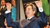 Beau Bridges waves to the excited theatergoers.