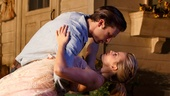 Show Photos - Picnic - Sebastian Stan - Maggie Grace