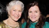 Ellen Burstyn and Mare Winningham never leave the classy behind!