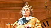 Kurt Egyiawan as Duchess of York, Peter Hamilton Dyer as Catesby, Mark Rylance as King Richard III & the cast of Richard III
