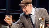 Patrick Stewart as Hirst & Ian McKellen as Spooner in No Man's Land
