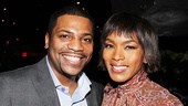 Former TV co-stars Mekhi Phifer and Angela Bassett enjoy some time together in a more relaxed setting than the ER set.