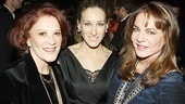 The always-stylish Sarah Jessica Parker gets between onstage siblings Linda Lavin and Stockard Channing.