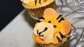 Bengal Tiger opens  cupcake