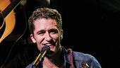 Matthew Morrison Beacon Theatre Concert – Matthew Morrison (ukulele)