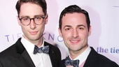 Max von Essen (r.) and his boyfriend Daniel Rowan come in close for a photo.