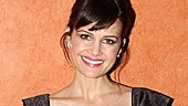 Stage and screen vet Carla Gugino may sport a bathrobe in The Road to Mecca, but she's all decked out on opening night.