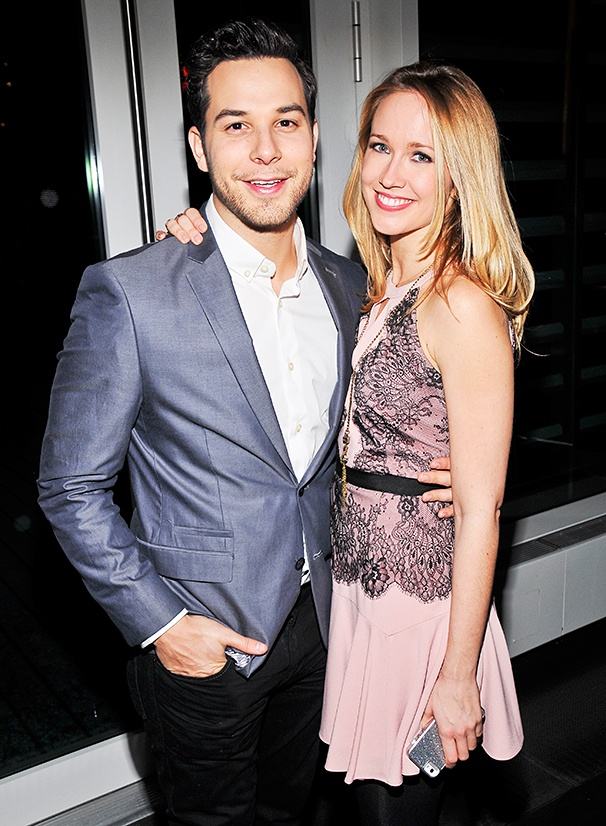 are anna camp and skylar astin still dating