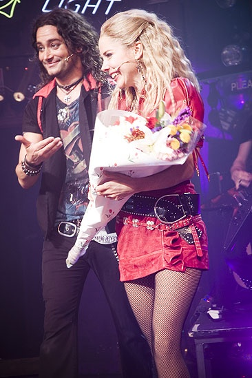 Kerry Butler first performance in Rock of Ages – Kerry Butler – Constantine Maroulis (curtain call)