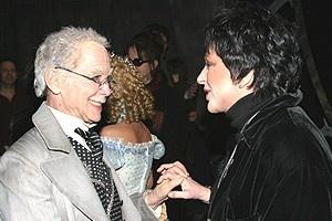 Liza Minnelli at Wicked - Joel Grey - Liza Minnelli (talking backstage)