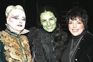 Liza Minnelli at Wicked - Carole Shelley - Idina Menzel - Liza Minnelli