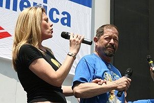 Photo Op - Broadway in Bryant Park 07-26-07 - Marin Mazzie - Jonathan Hadary