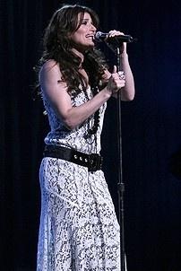 Photo Op - Idina Menzel at Madison Square Garden - Idina Menzel 6