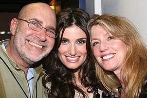 Photo Op - Idina Menzel at Madison Square Garden - Idina Menzel - (parents) Stuart - Helene