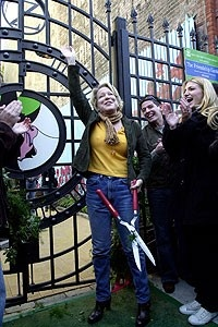 Photo Op - Wicked Day 2007 -  Bette Midler (cut)