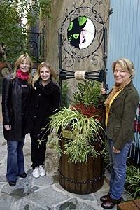 Photo Op - Wicked Day 2007 - Lisa Brescia - Annaleigh Ashford - Bette Midler