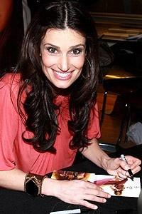 Idina Menzel at Virgin - Idina signing 2