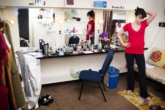 Backstage with Carla Gugino – waiting